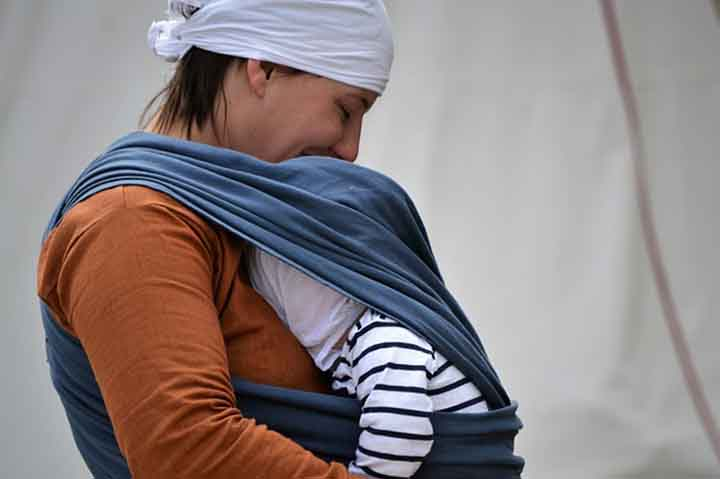 How To Use A Baby Sling For A Newborn A Mom And Baby Blog